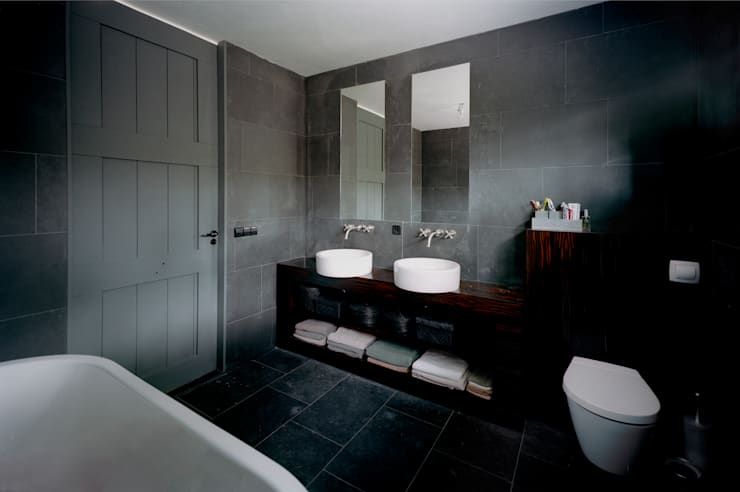 Bathroom by paul seuntjens architectuur en interieur