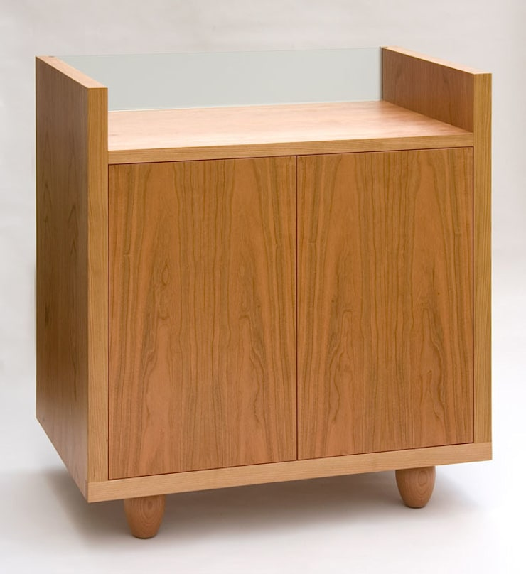Hi Fi Cabinet:  Living room by Martin Greshoff Furniture