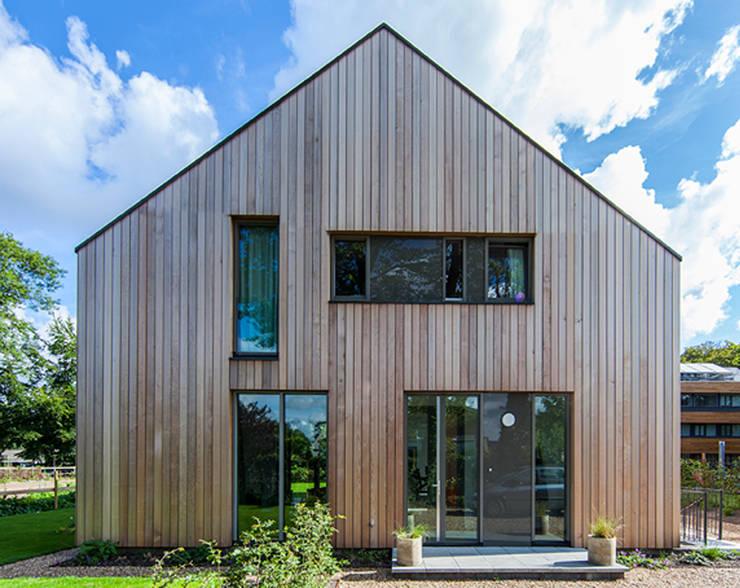 villa Heemstede:  Huizen door paul seuntjens architectuur en interieur, Modern