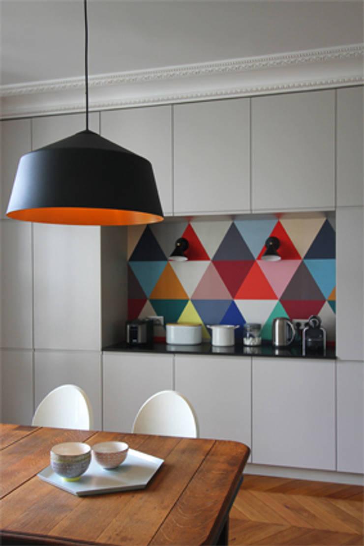 Dossier papier peint : Cuisine de style  par Camille Hermand Architectures