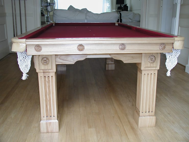 7 ft Fabio Convertible Diner with burgundy cloth:  Dining room by HAMILTON BILLIARDS & GAMES CO LTD