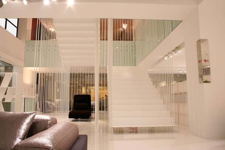 Corridor, hallway & stairs  by Vegni Design