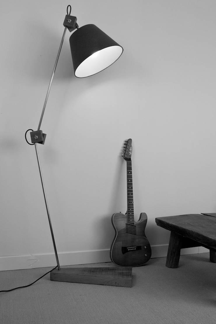 Lampe Peleca:  de style  par ANTOINE G