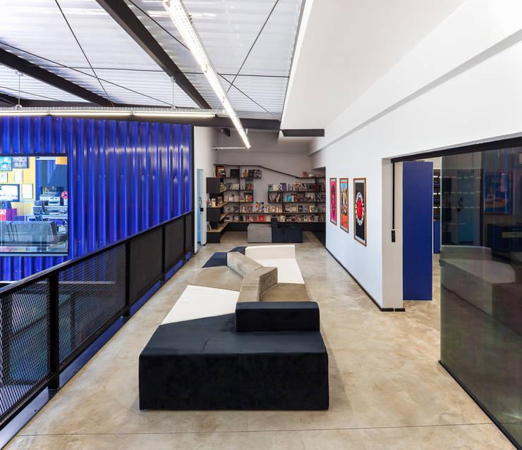 Agência Rock Comunicação: Lojas e imóveis comerciais  por MM18 Arquitetura
