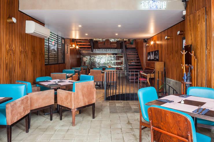 Térreo: Espaços gastronômicos  por MM18 Arquitetura,