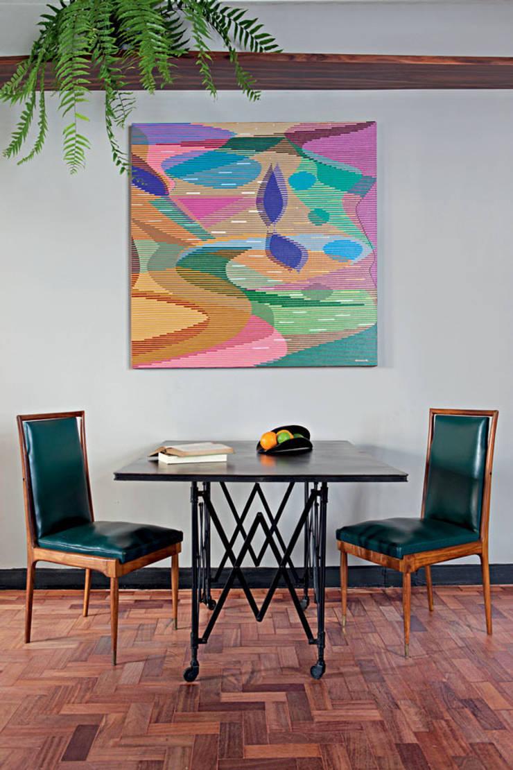 Apartamento Facundo Guerra: Salas de jantar  por MM18 Arquitetura