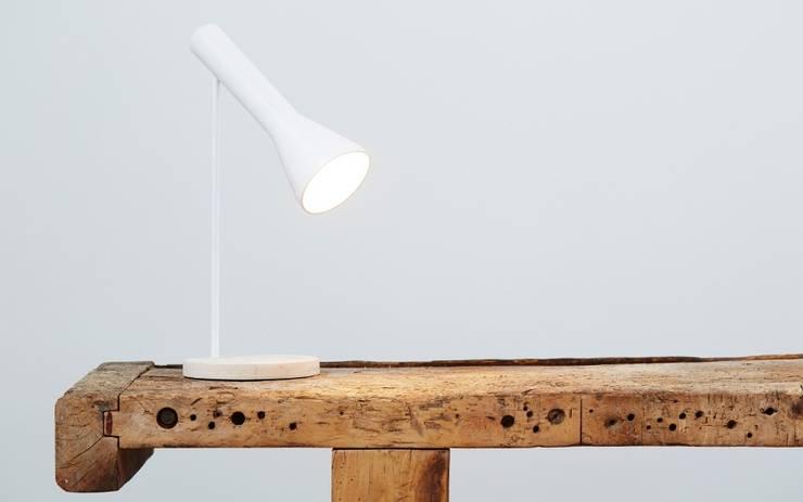 Forms no Figures - pure light:  Eetkamer door Fou de Feu