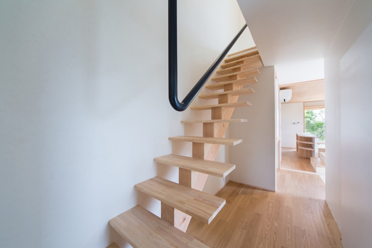 Tei 階段: キリコ設計事務所が手掛けた廊下 & 玄関です。,和風