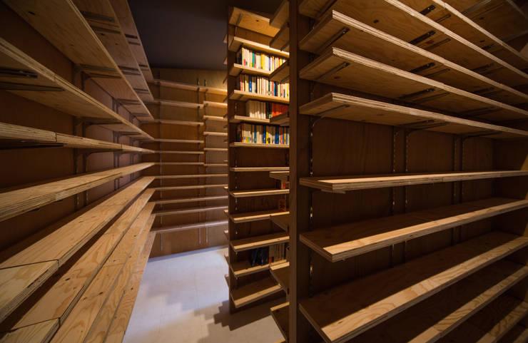 Tei 書庫: キリコ設計事務所が手掛けた和室です。
