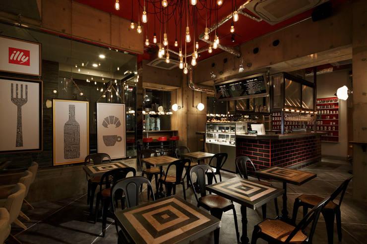 1F INTERIOR/1: BaNANA OFFICE INC.が手掛けたレストランです。