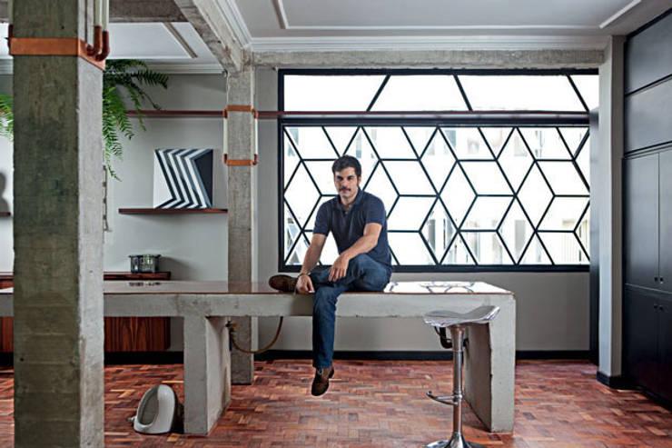 Apartamento Facundo Guerra: Cozinhas  por MM18 Arquitetura
