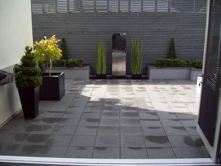 Patios, Terraces and Decking:  Garden by Unique Landscapes,