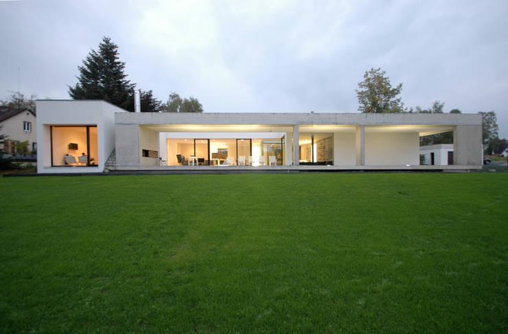 Wohnhaus in Selb:   von Osterwold°Schmidt EXP!ANDER Architekten
