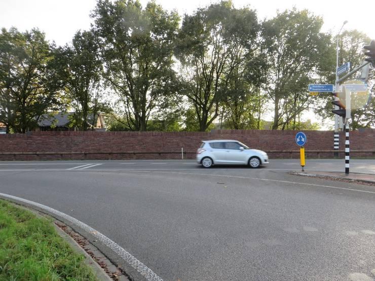Geluidswerende voorziening N317  na aanleg.:   door Buro Topia stads- en landschapsontwerp
