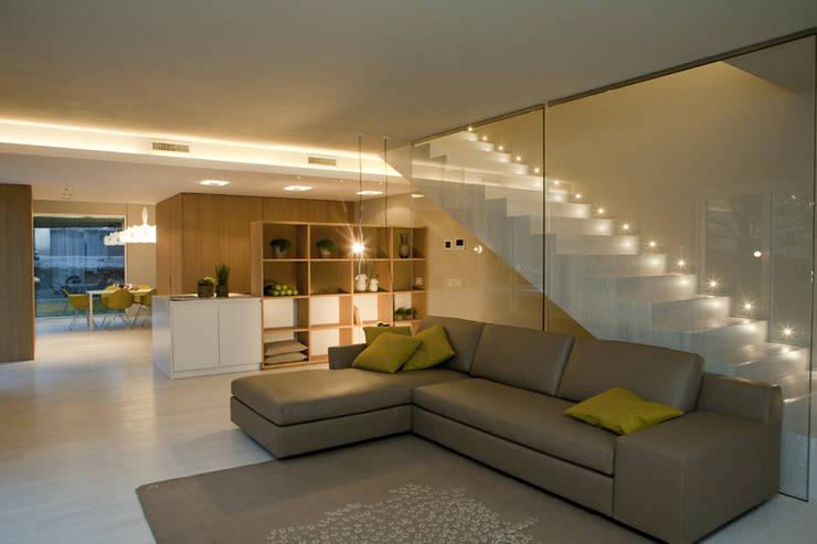 Livings de estilo  por marco.sbalchiero/interior.design