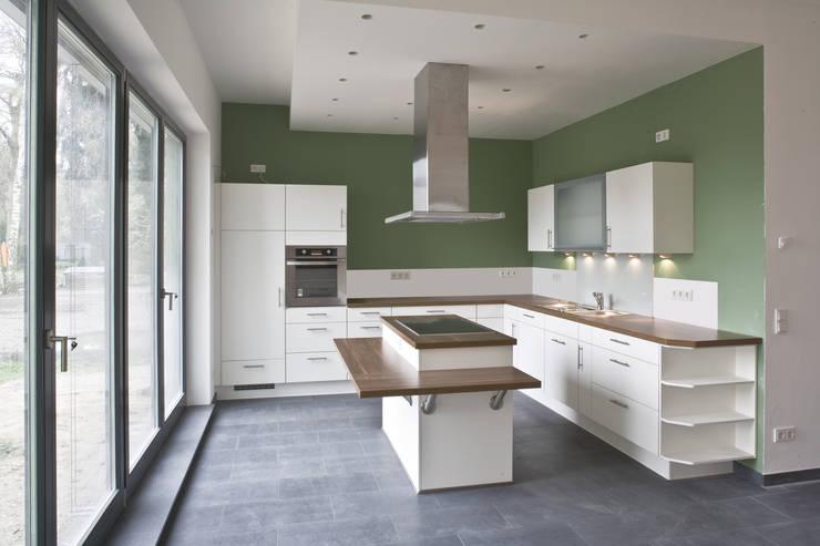 Küche : moderne Küche von Anja Beecken Architekten
