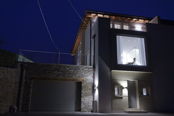 FACCIATA PRINCIPALE: Case in stile in stile Moderno di marco.sbalchiero/interior.design