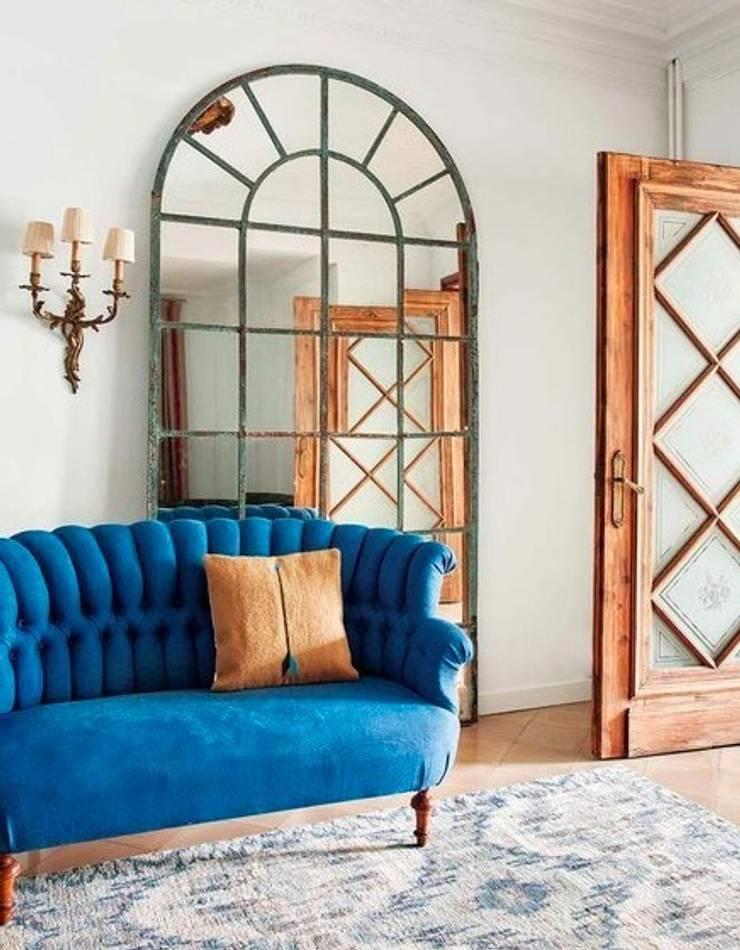 Living room: Salones de estilo  de LUZIO