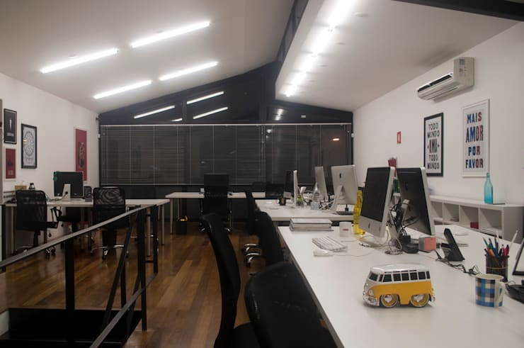 Offices & stores by MM18 Arquitetura,