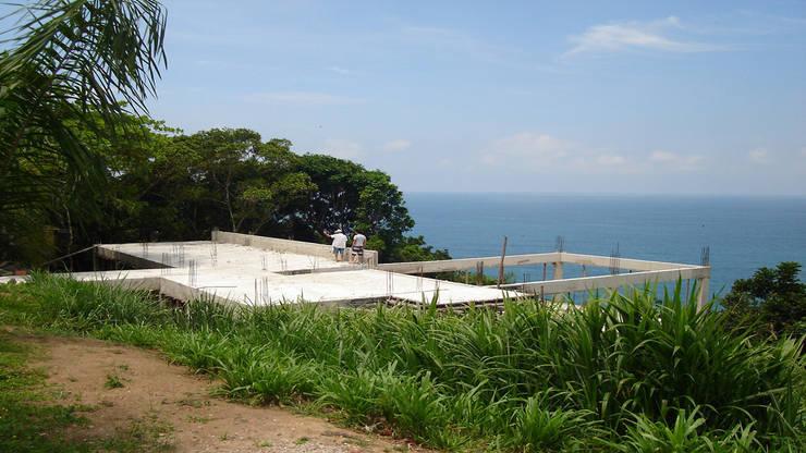 Casa Toninhas:   por MM18 Arquitetura