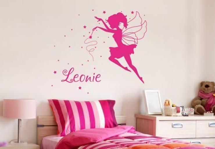 Sticker mural + Prénom et Fée: Chambre d'enfants de style  par wall-art.fr