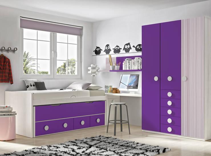 Compacto + armario: Habitaciones infantiles de estilo  de Muebles y Decoración Marisa Cardona