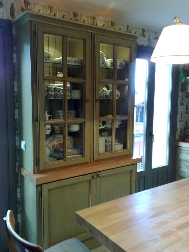 Medinaceli verde hoja: Cocina de estilo  de Gamahogar
