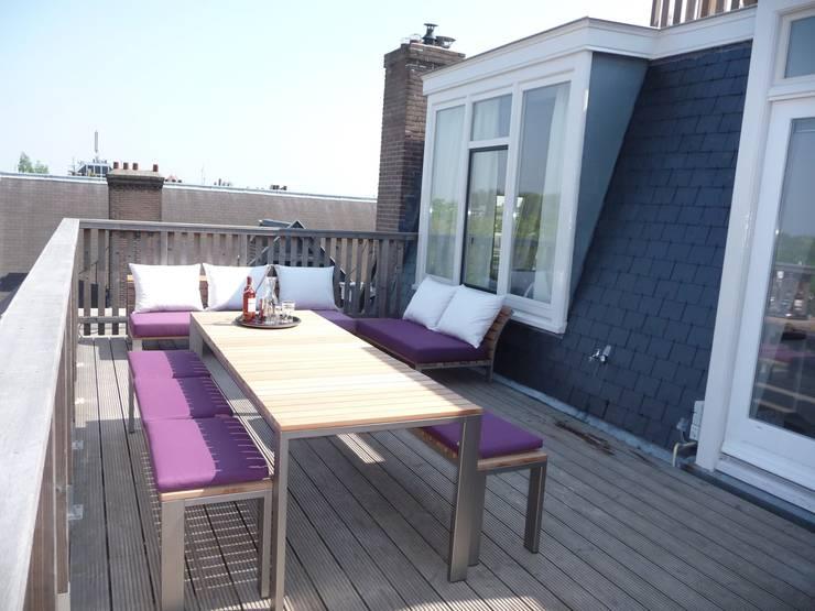 Balcones y terrazas de estilo  por Vormad - Sittingimage