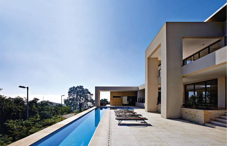 CASA ALFA: Casas  por João Carlos Moreira Filho & Maria Thereza Terence