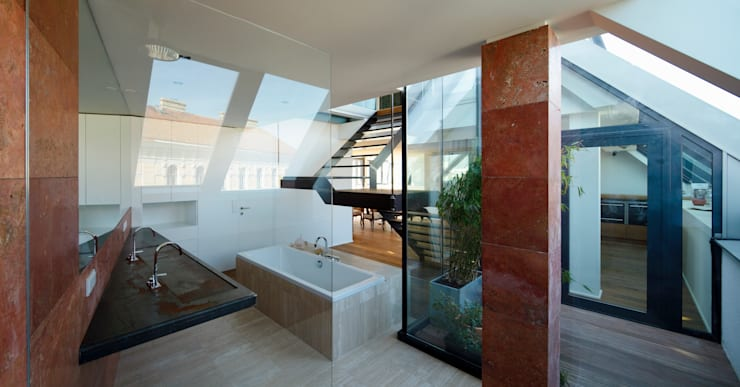 Bathroom by t-hoch-n Architektur