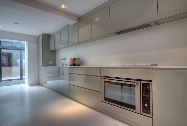 Marylebone Family House:  Kitchen by Peter Bell Architects