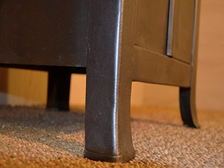 Meuble d'atelier Wireless, restauration Hewel mobilier: Salon de style  par Hewel mobilier