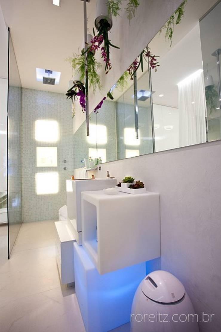 Banheiro do Loft do Futuro: Banheiros minimalistas por Espaço do Traço arquitetura