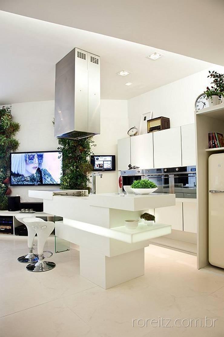 Cozinha do Loft do Futuro: Cozinhas minimalistas por Espaço do Traço arquitetura