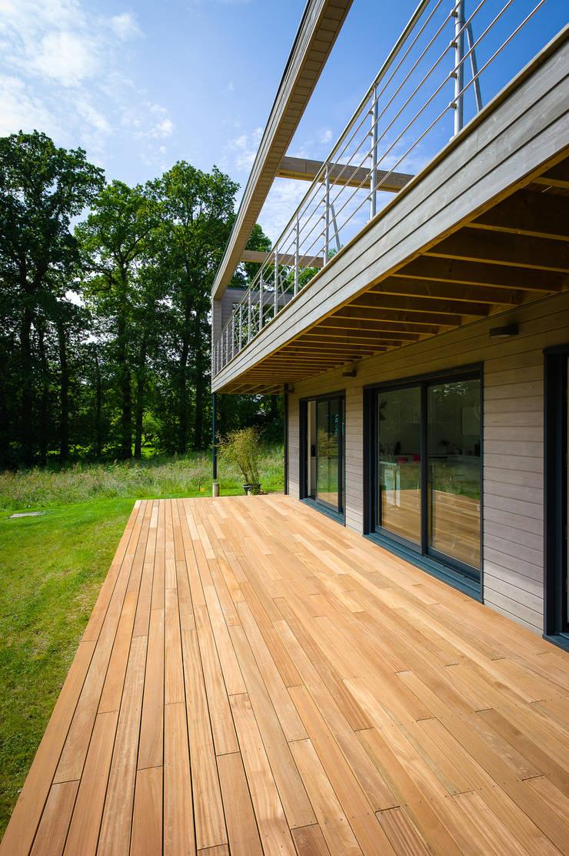 Construction d'une maison bois en Haute Normandie: Maisons de style  par ANTOINE LAINE ARCHITECTURES