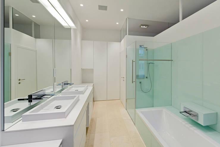 t-hoch-n Architektur의  욕실