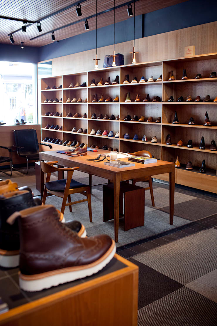 Grenson Lambs Conduit Street:  Offices & stores by helen hughes design studio ltd
