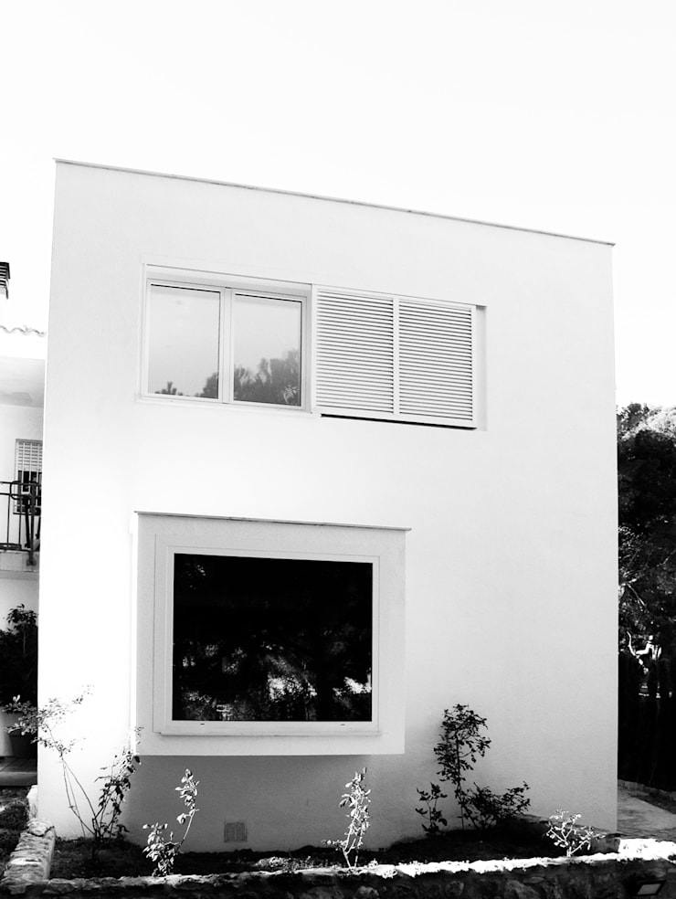 Vista Exterior: Casas de estilo  de LaBoqueria Taller d'Arquitectura i Disseny Industrial