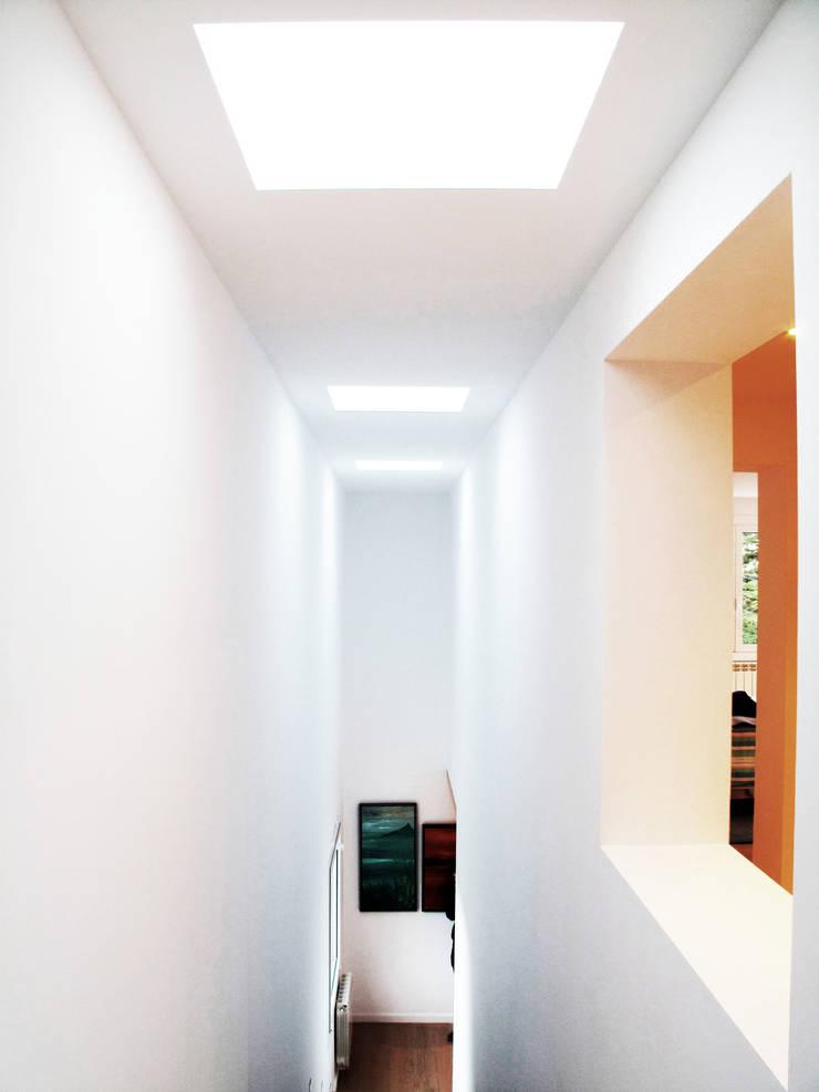 Vista interior Doble Espacio: Casas de estilo  de LaBoqueria Taller d'Arquitectura i Disseny Industrial