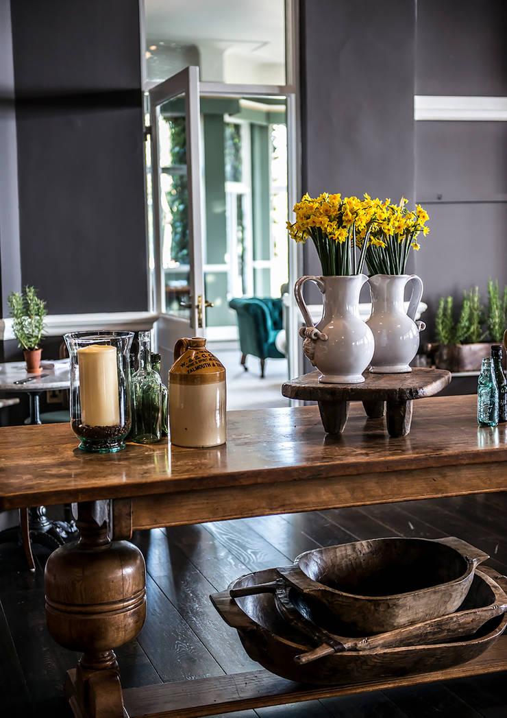 Merchants Manor Boutique Hotel:  Hotels by helen hughes design studio ltd