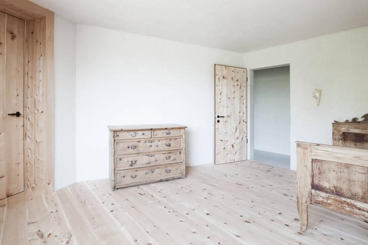 CHALET - LAPEDEVILLA:  Kinderzimmer von PEDEVILLA ARCHITECTS