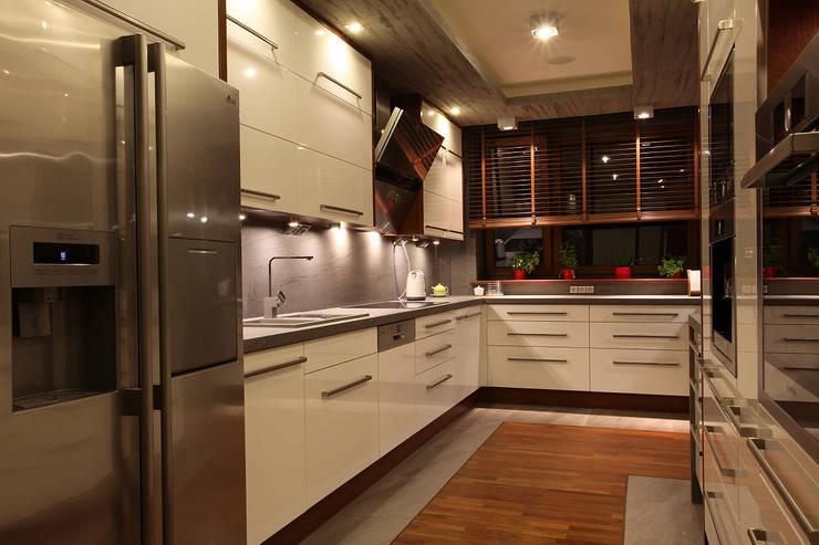 apartament: styl , w kategorii  zaprojektowany przez Zbigniew Winiarczyk