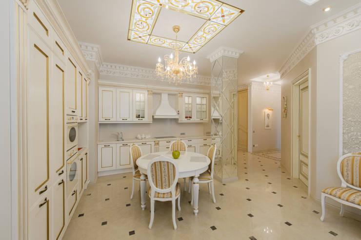 Интерьер квартиры: Кухни в . Автор – Antica Style, Классический