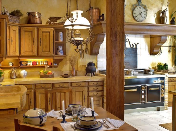 Cocina de estilo  por Gamahogar