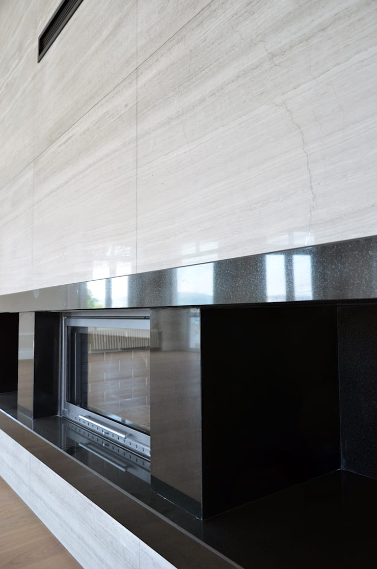 monoblok design & interiors – Tarabya B. Yali Project:  tarz Oturma Odası