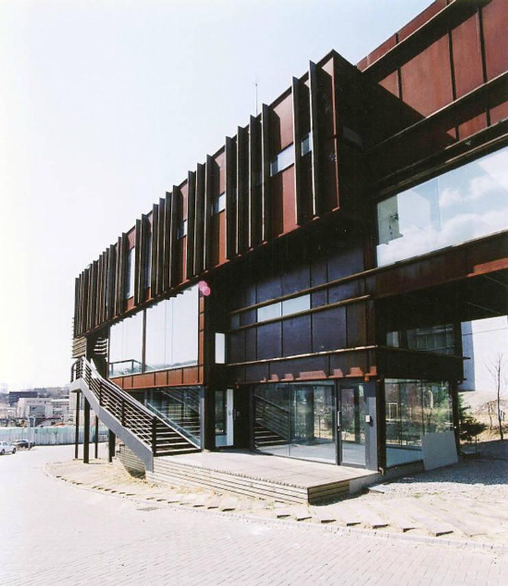 K-Space: Shade Architecture & Design Studio의  사무실,모던