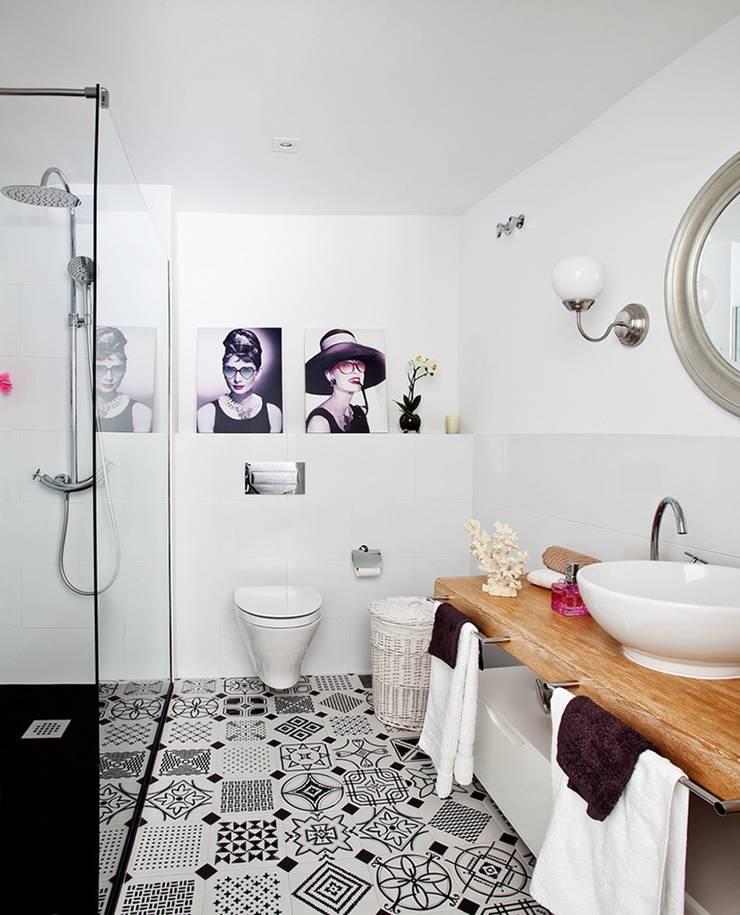 vintage te quiero vintage… : Baños de estilo  de Disak Studio