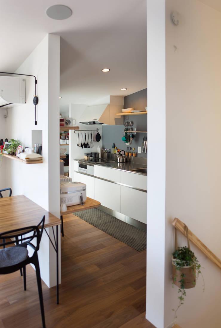 Zig Zag  キッチン: キリコ設計事務所が手掛けたキッチンです。,モダン