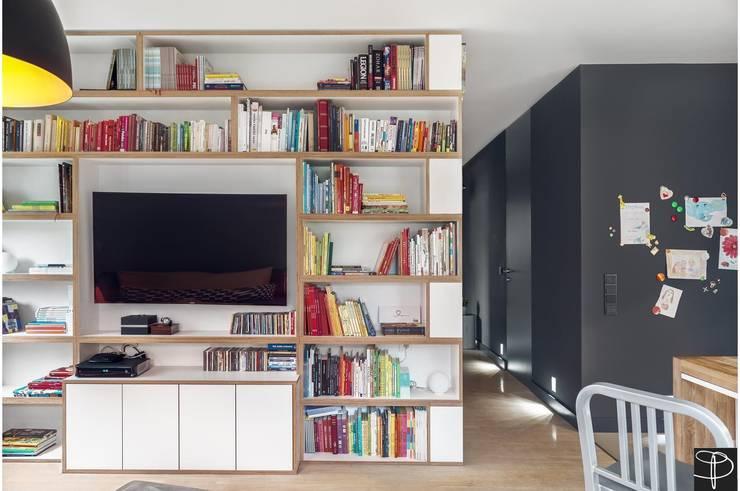 Wnętrze z Banksym: styl , w kategorii Salon zaprojektowany przez Studio Potorska