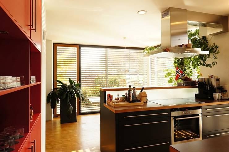 moderne Keuken door Architekten Lenzstrasse Dreizehn